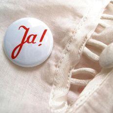 Button JA!